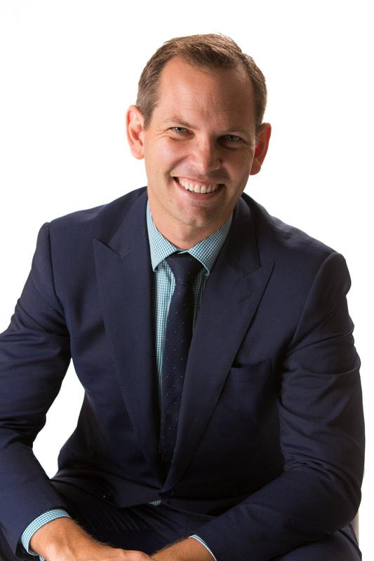 Dr John Halliday