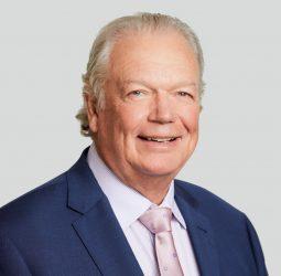 Dr Geoffrey Barnett